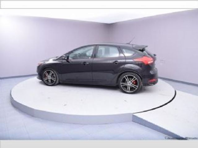 2016 FORD Focus 5dr HB ST in Mississauga, Ontario