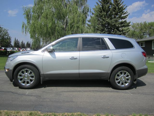 enclave and momentcar buick photos information