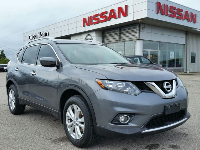 2016 NISSAN Rogue SV FWD w/rear cam,xsm radio,heated seats in Cambridge, Ontario