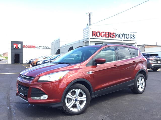 2015 Ford Escape SE 4WD - NAVI - PANO ROOF - LEATHER in Oakville, Ontario