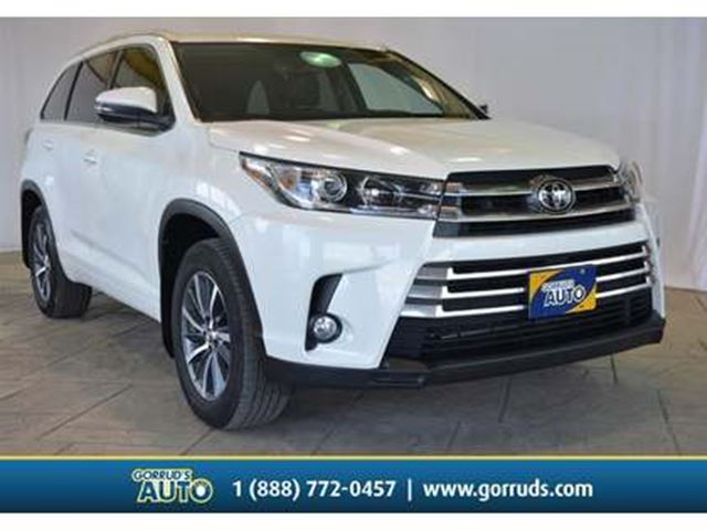 2018 TOYOTA Highlander XLE AWD/Leather/Camera/Moonroof/Bluetooth in Milton, Ontario