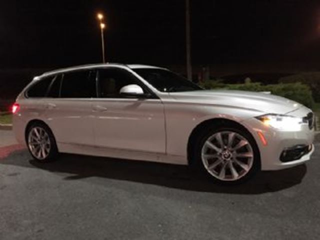2017 BMW 3 Series 330i xDrive Touring Wagon + Premium Package Essential in Mississauga, Ontario