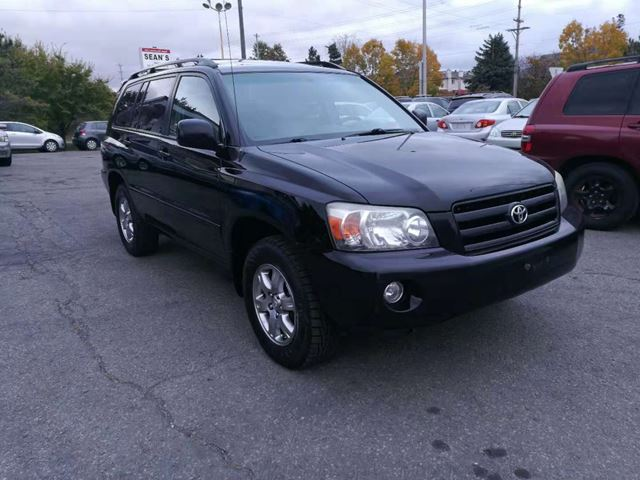 2007 TOYOTA Highlander Sport 7-Passenger Sunroof / Alloys in Ottawa, Ontario