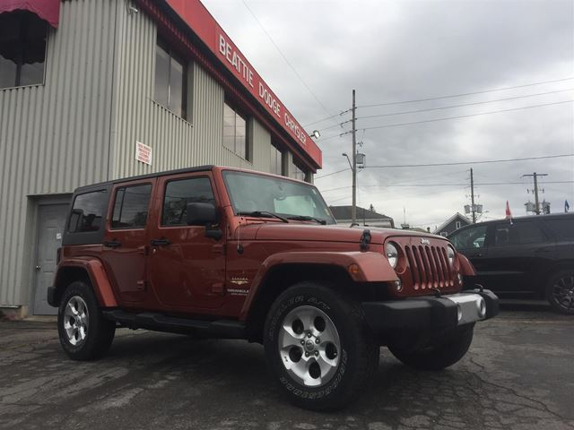 2014 Jeep Wrangler Unlimited Sahara TWO TOPS/ NAV/ TOW PACKAGE in