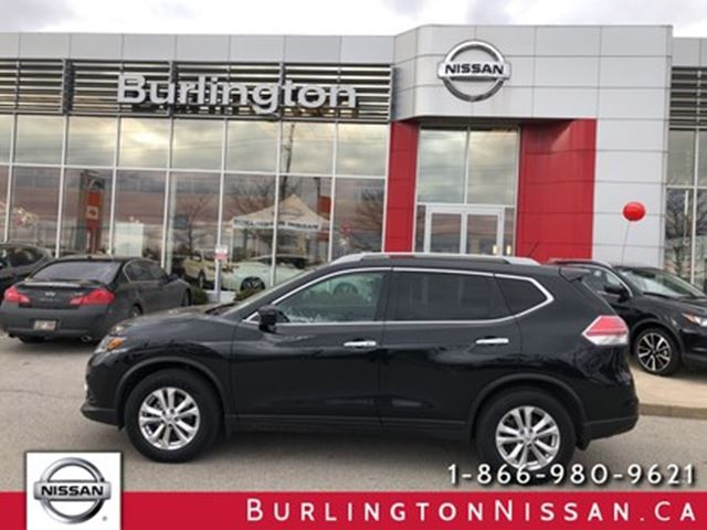 2016 NISSAN Rogue SV, FWD, ACCIDENT FREE ! in Burlington, Ontario