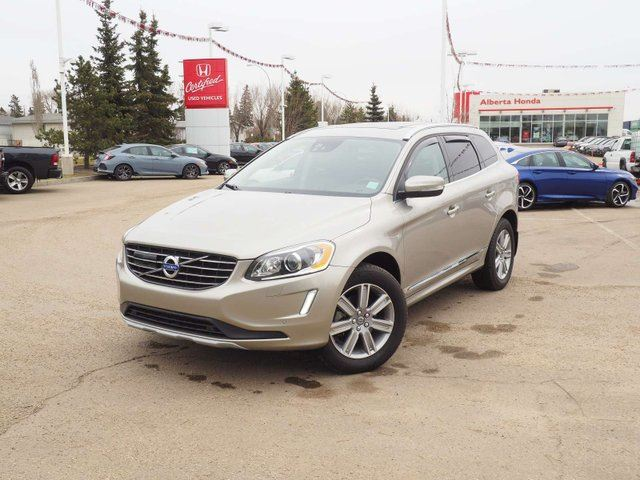 2016 VOLVO XC60 T6. Low Kms. Panoramic Sunroof. Fully Loaded in Edmonton, Alberta