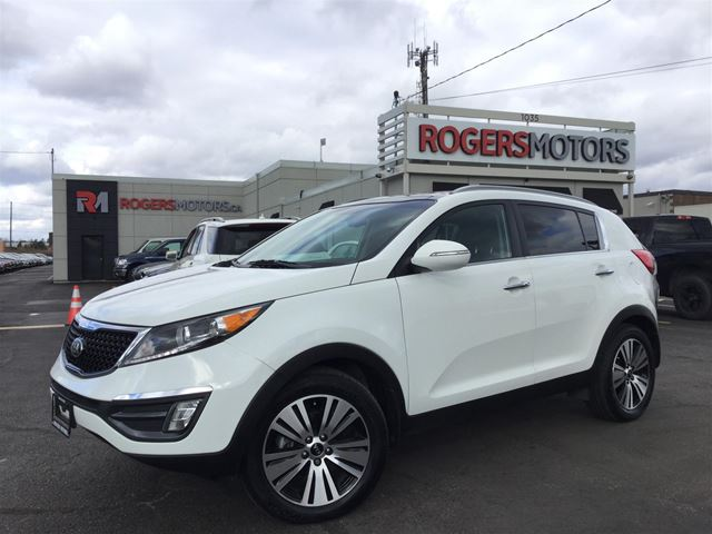 2016 KIA SPORTAGE EX AWD - NAVI - PANO ROOF - LEATHER in Oakville, Ontario