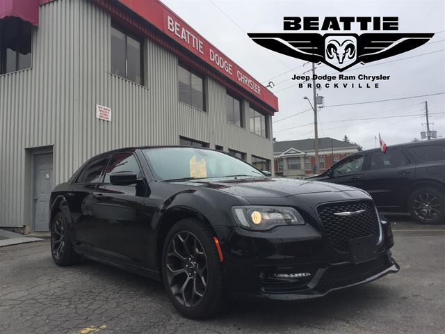2018 Chrysler 300 S LEATHER/ COLD WEATHER GROUP/ NAV in