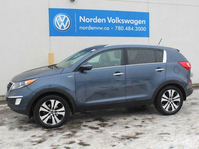 2013 KIA SPORTAGE LOADED EX - NAV / HEATED LEATHER / SUNROOF / ALL WHEEL DRIVE in Edmonton, Alberta