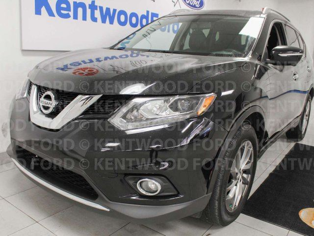 2015 NISSAN Rogue SL AWD, NAV, sunroof, power leather seats, power liftgate, push start/stop, back up cam in Edmonton, Alberta