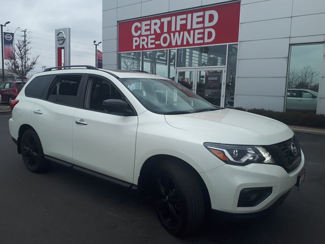 2018 NISSAN Pathfinder MIDNIGHT EDITION  LOADED,LEATHER,NAVI,ROOF,ALLOY WHEELS,PUSH BUTTON START,REMOTE STARTER,FEB,ICC, REAR CROSS TRAFFIC ALERT,MOTION ACTIVATE LIFT GATE in Brampton, Ontario
