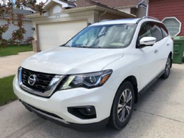 2017 NISSAN Pathfinder SL Premium Tech Package  4x4 FULLY LOADED in Mississauga, Ontario