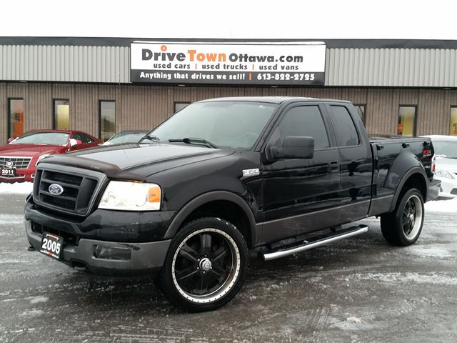 2005 FORD F-150 FX4 SUPER CAB 4X4 **FLARESIDE** in Ottawa, Ontario