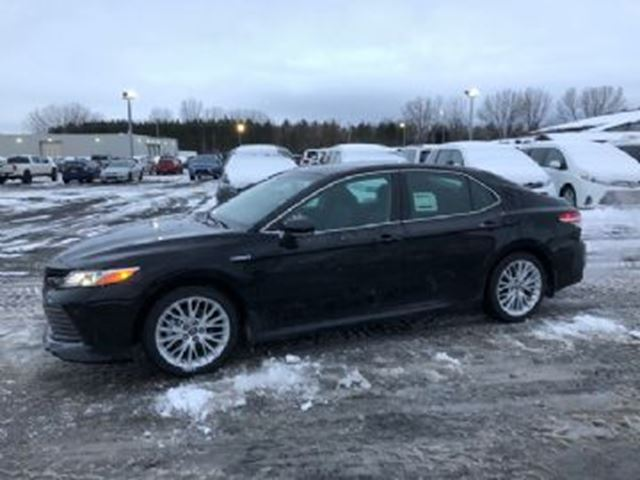 2018 TOYOTA Camry Hybrid XLE in Mississauga, Ontario