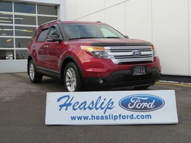 2014 Ford Explorer XLT FWD / LOW KM /7 PASSENGER in