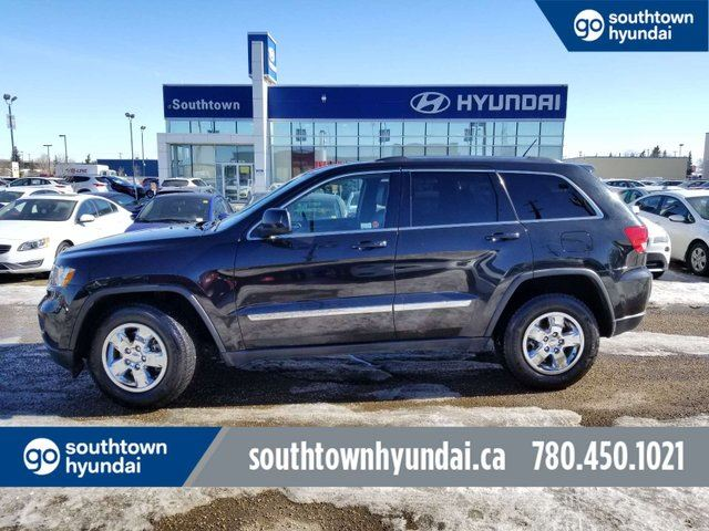 2013 JEEP Grand Cherokee LAREDO/4X4/LEATHER/HEATED SEATS in Edmonton, Alberta