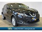2017 Nissan Qashqai SV FWD/Sunroof/Heated Seats/Cruise/Back-up in Milton, Ontario