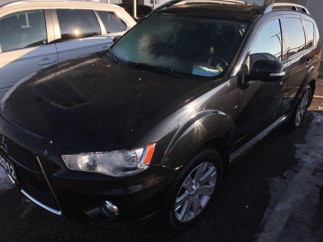 2012 Mitsubishi Outlander XLS S-AWC Like New Condition in
