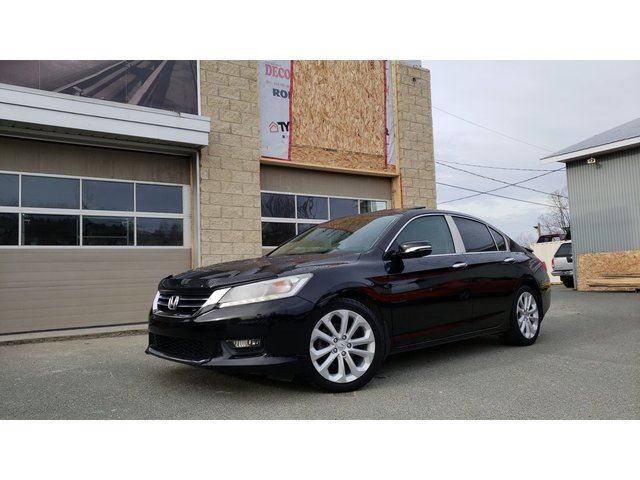 2015 HONDA ACCORD  Touring in Sainte-Marie, Quebec