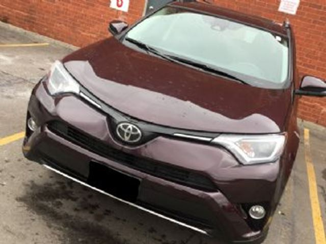2018 TOYOTA RAV4 XLE AWD w/ EXCESS WEAR/TEAR PROTECTION in Mississauga, Ontario