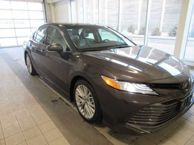2018 TOYOTA Camry XLE V6 NO ACCIDENTS in Toronto, Ontario