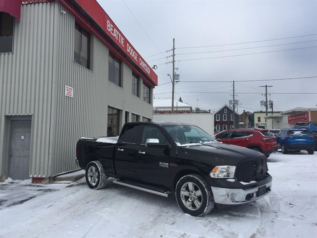 2015 Dodge RAM 1500 SLT NAV/ HEATED SEATS/ TRAILER TOW GROUP in