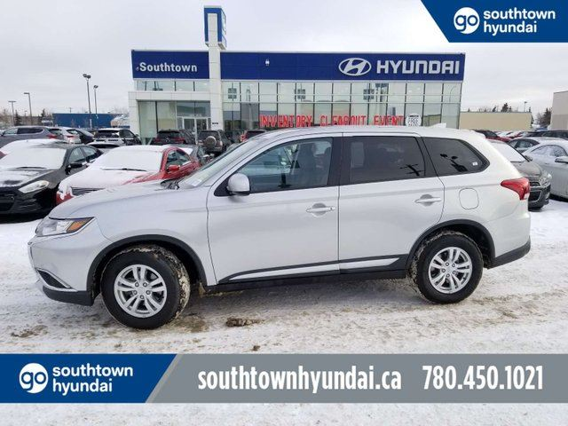 2018 MITSUBISHI Outlander ES/AWD/BACUP CAM/HEATED SEATS/BLUETOOTH in Edmonton, Alberta