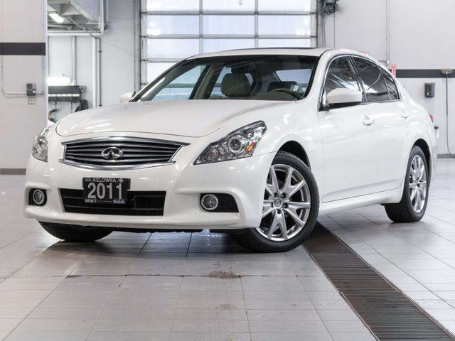 2011 Infiniti G37  Sport AWD w/Hi-Tech Package in