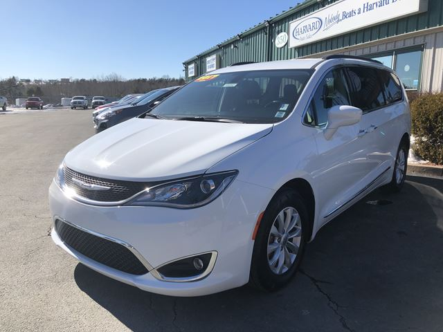2017 Chrysler Pacifica Touring-L in