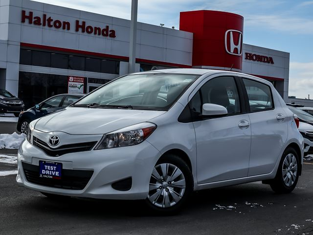 2014 TOYOTA Yaris LE 5-Door AT in Burlington, Ontario