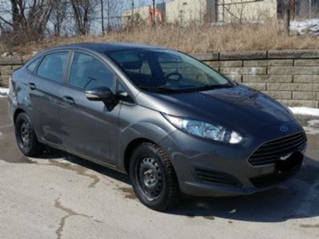 2015 FORD Fiesta SE w/Comfort Package in Mississauga, Ontario