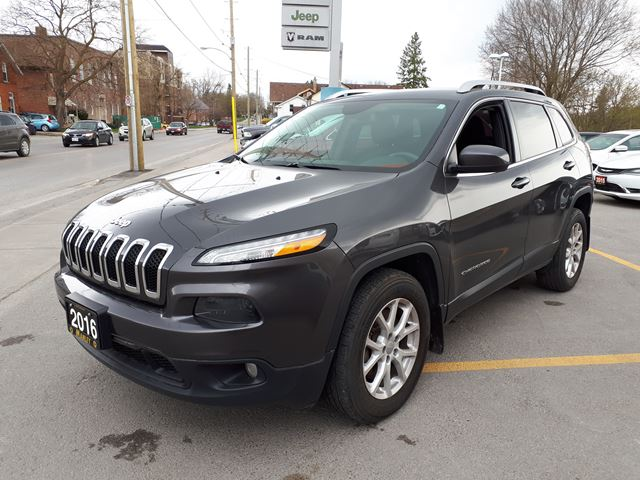 2016 JEEP Cherokee North in Lindsay, Ontario