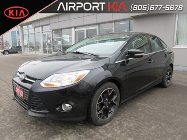 2012 FORD Focus SEL Manual/Leather/Sunroof/NAV/Heated seats in Mississauga, Ontario
