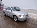 2006 Volvo V70 2.4L  (*AS IS*) in North Bay, Ontario