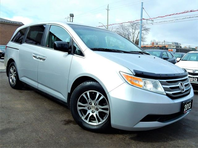 2013 HONDA Odyssey EX  POWER DOORS  BACK UP CAM  8PASS  ONE OWNER in Kitchener, Ontario