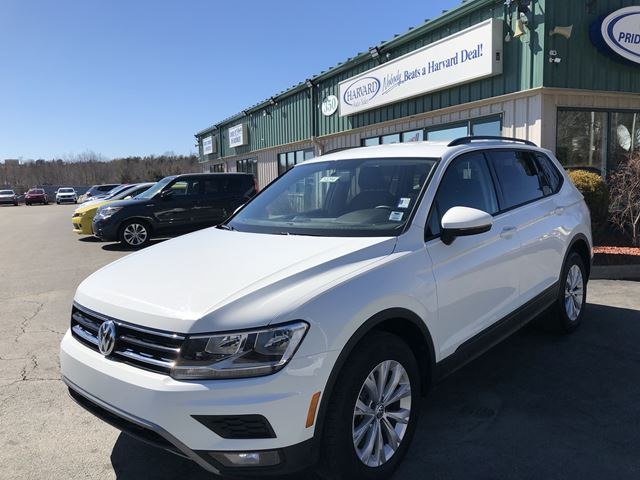 2018 VOLKSWAGEN TIGUAN Trendline CLEAN CARFAX/ONE OWNER/BACK UP CAM/4MOTION AWD in Lower Sackville, Nova Scotia