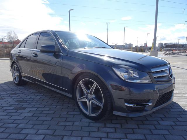2013 MERCEDES-BENZ C-Class C 300 4MATIC*NO ACCIDENTS*SUNROOF* in Toronto, Ontario