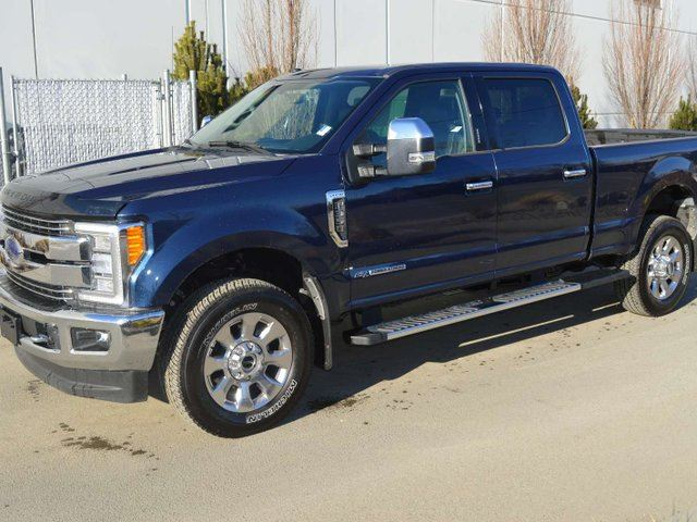 2018 Ford F-350  LARIAT 4x4 SD Crew Cab 160.0 in. WB in Kamloops, British Columbia