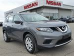 2016 Nissan Rogue FWD w/keyless entry,cruise,sxm radio,rear cam in Cambridge, Ontario