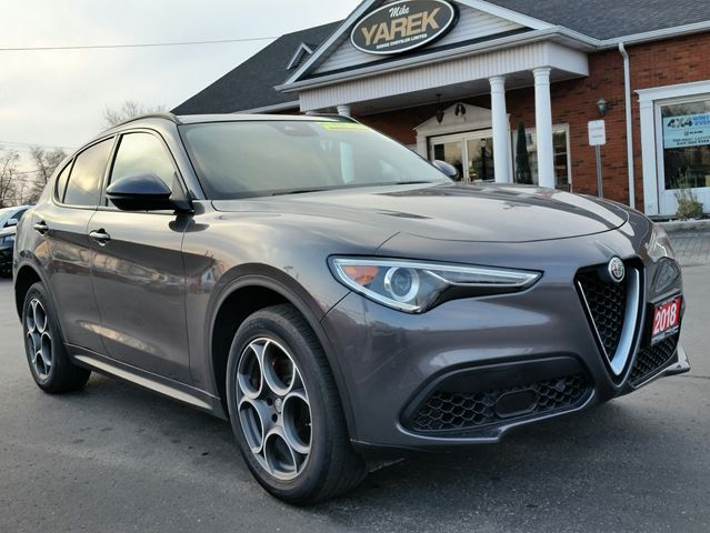 2018 ALFA ROMEO SPIDER STELVIO Q4 AWD, Leather Heated Seats, Pano Roof, Tech Pkg, Back Up Cam/Sensors in Paris, Ontario