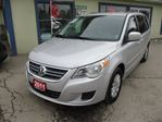 2011 Volkswagen Routan LOADED SE MODEL 7 PASSENGER 3.6L - V6.. CAPTAIN in Bradford, Ontario