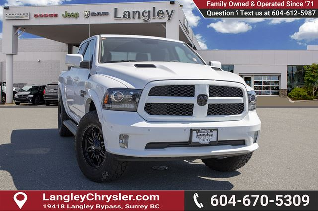 2018 Dodge RAM 1500 Sport *LOADED SPORT* *TIRE AND WHEEL PACKAGE* *LEVELING KIT* in Surrey, British Columbia