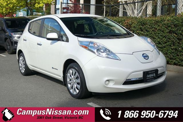 2015 Nissan Leaf  S  FWD w QuickCharge in