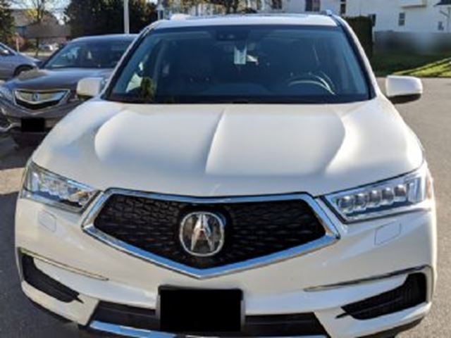 2017 ACURA MDX Nav Package w/ WINTER TIRES in Mississauga, Ontario