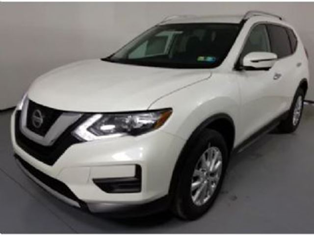 2018 NISSAN ROGUE SV TECH PKG AWD FREE LIFETIME OIL CHANGE!!!! in Mississauga, Ontario