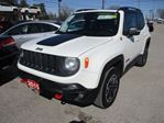 2015 Jeep Renegade 4X4 READY TRAILHAWK EDITION 5 PASSENGER 2.4L -  in Bradford, Ontario