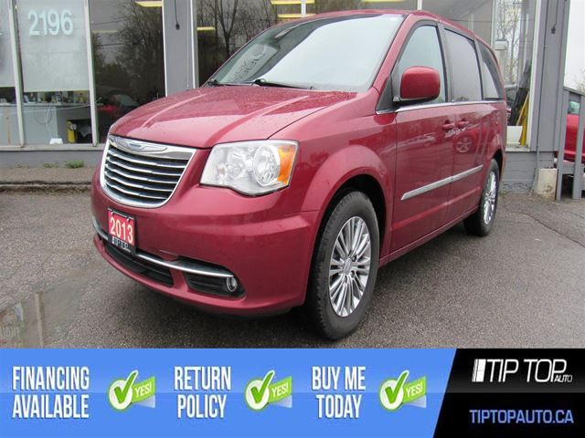2013 Chrysler Town and Country Touring W/Leather in