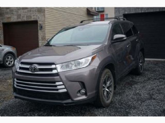 2017 TOYOTA Highlander LE AWD, 8 Passagers, 3.5L,grp. Commodit+¬ + Extras in Mississauga, Ontario