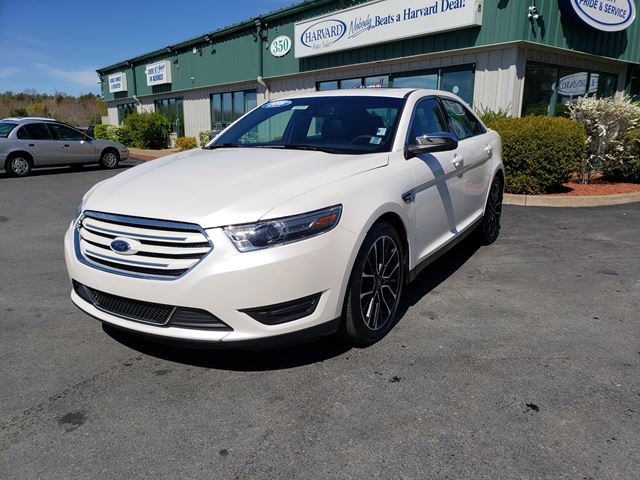2018 Ford Taurus Limited in Lower Sackville, Nova Scotia