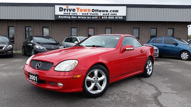 2001 MERCEDES-BENZ SLK-Class 3.2L Roadster **HARD TOP CONVERTIBLE** in Ottawa, Ontario